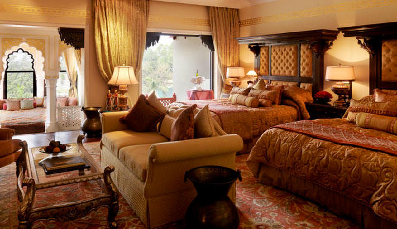 Luxury india tours in Jaipur